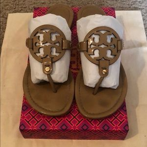 ⭐️AUTHENTIC TORY BURCH MILLERS⭐️ Size 8